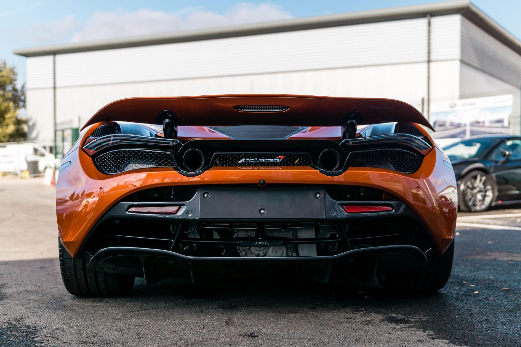 McLaren 720S V8 2dr SSG PERFORMANCE image 6